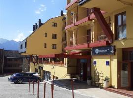 Apartamentos SNÖ Edelweiss, hotel in Cerler