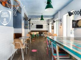 Hôtel Ozz by Happyculture, hotel in Nice