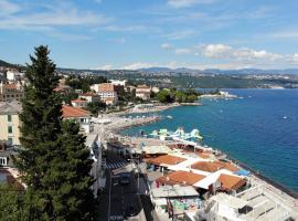 Apartment near beach with sea view, apartment in Opatija
