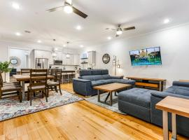 Hosteeva Luxury Condo w Pool and High-end amenities Near Frnch Quarter, apartment in New Orleans