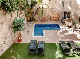 Astuto Boutique Jerez - Adults Only, guest house in Jerez de la Frontera