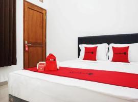 RedDoorz @ Jalan Danau Limboto, hotel near Abdul Rachman Saleh Airport - MLG, Malang