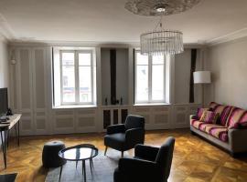 Grand studio en hyper centre, hôtel à Quimper