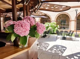 Abbaye des Capucins Spa & Resort, hotel in Montauban
