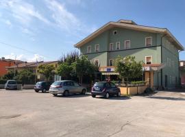 Il Portichetto, hotel in zona Campo Felice, L'Aquila