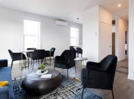 Chic 1 Bedroom Apartment in Mile End by Den Stays, hotel in Montreal