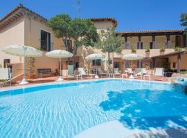Hotel Colonna San Marco, hotel with jacuzzis in Porto Rotondo