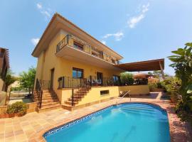 Luxury Villa with amazing views in front of Mar Menor, hotel en Los Alcázares