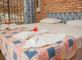 Pousada Ocas do Índio, hotel with pools in Beberibe