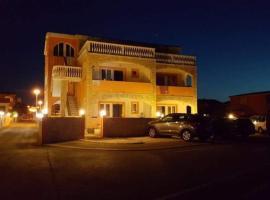 Apartmani Por, budget hotel in Vir