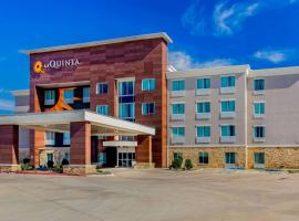 La Quinta Inn & Suites by Wyndham Northlake Ft. Worth, hotel in Northlake