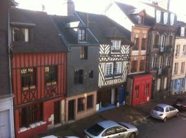 Les Charmettes, B&B in Honfleur