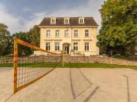 Familienhotel Schloss Leizen Bioverpflegung, Hotel in Leizen