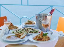 Blue Heaven Hotel, hotel in Sarandë