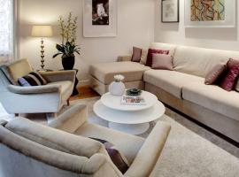 Apartment OF SPECTACULAR OPULENCE, pet-friendly hotel in Bruges