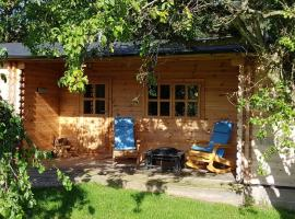 Cabin at Aithernie, apartment in Leven-Fife
