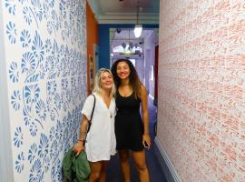 Tequila Sunrise Hostel, budget hotel in Adelaide