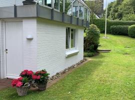 Ferienwohnung in weißer Villa am Kliff, feriebolig i Flensborg