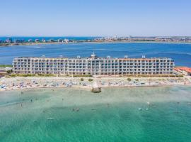 Gardenia Beach Palace Aparthotel, serviced apartment in Pomorie