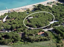Hotel Villa Nettuno, hotel near Marina di Campo Airport - EBA,