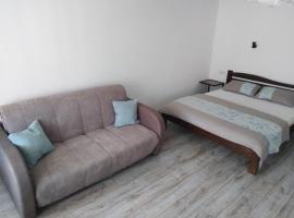 Квартира студия в самом центре, готель у Чернігові