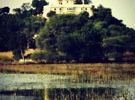 Titardi Garh- Heritage 18th Century Castle, pet-friendly hotel in Udaipur