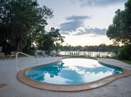 Luxury Waterfront with Pool, vacation rental in Jacksonville