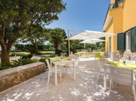 Villa Caterina Appartamenti, self catering accommodation in Procida