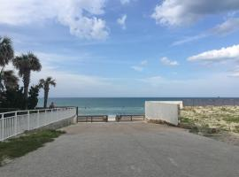 2 BEDROOM OASIS TOWN house, apartment in Daytona Beach