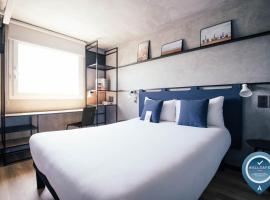 Ibis Barcelona Castelldefels, hotel in Castelldefels