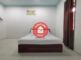 OYO 90018 River Village Hotel, hotel di Kuala Terengganu