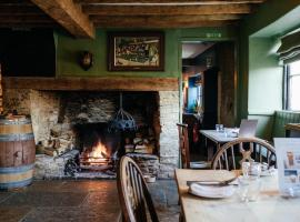 The Bell Inn, guest house in Lechlade