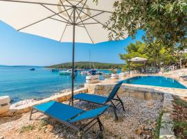 Bungalows with pool Dream of Kornati, holiday home in Mali Pašman