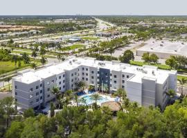 Vacation Rental Suites in Pristine Naples Florida, apartment in Naples