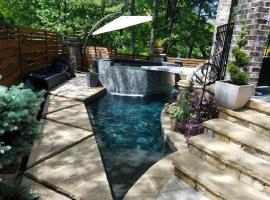 LuxATL Atlanta Luxury Suite with Private Heated Pool - Beltline Just 3 Blocks Away, guest house in Atlanta