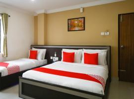 PLEASANT STAYS HOTEL, hotel near Chennai International Airport - MAA, Chennai