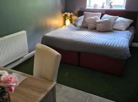 Lenox Country Farm Bed and Breakfast, hotel near Liverpool John Lennon Airport - LPL,