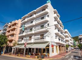 Hostal Santa Eulalia, hotel in Santa Eularia des Riu