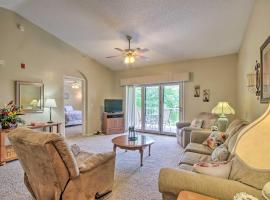 Foothills Condo with 2 Pools - 1Mi to The Strip, villa in Branson