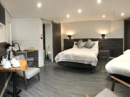 The WatersEdge, Canal Cottages, hotel in Hillingdon