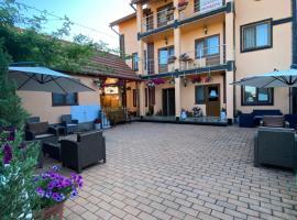 Отель Бессарабский, готель у Затоці