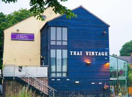 Old Mill Thai Vintage, hotel in Whitchurch