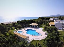 Golden Beach Hotel, hotel near Archaeological Museum of Nikopolis, Kastrosikia