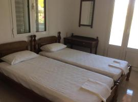 Spetses-Agioi Anargyroi-Giannis2, pet-friendly hotel in Spetses