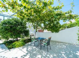 Villa Marija Adriatic, guest house in Mlini