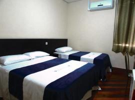 Hotel Minho próximo a 25 de Março ,Brás e Bom retiro esquina com rua dos eletrônicos Santa Efigênia, hotel em São Paulo