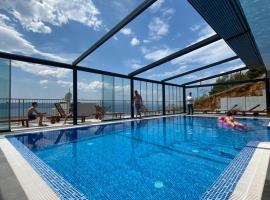 Sea House Resort, hotel with pools in Brela