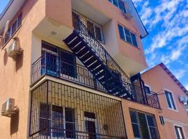 Отель у моря Розетта, отель в Сухуме