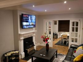 The New Kyoto House - Three Spacious, Cosy Bedrooms, hotel in Derby