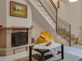 Simplistic Holiday Home in Caserta near Town Centre, villa in Caserta